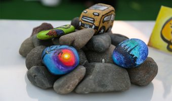 best-paint-pens-for-rocks